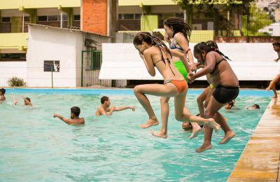 Espaços abrem de terça a domingo, das 9h às 11h30 para natação e hidroginástica